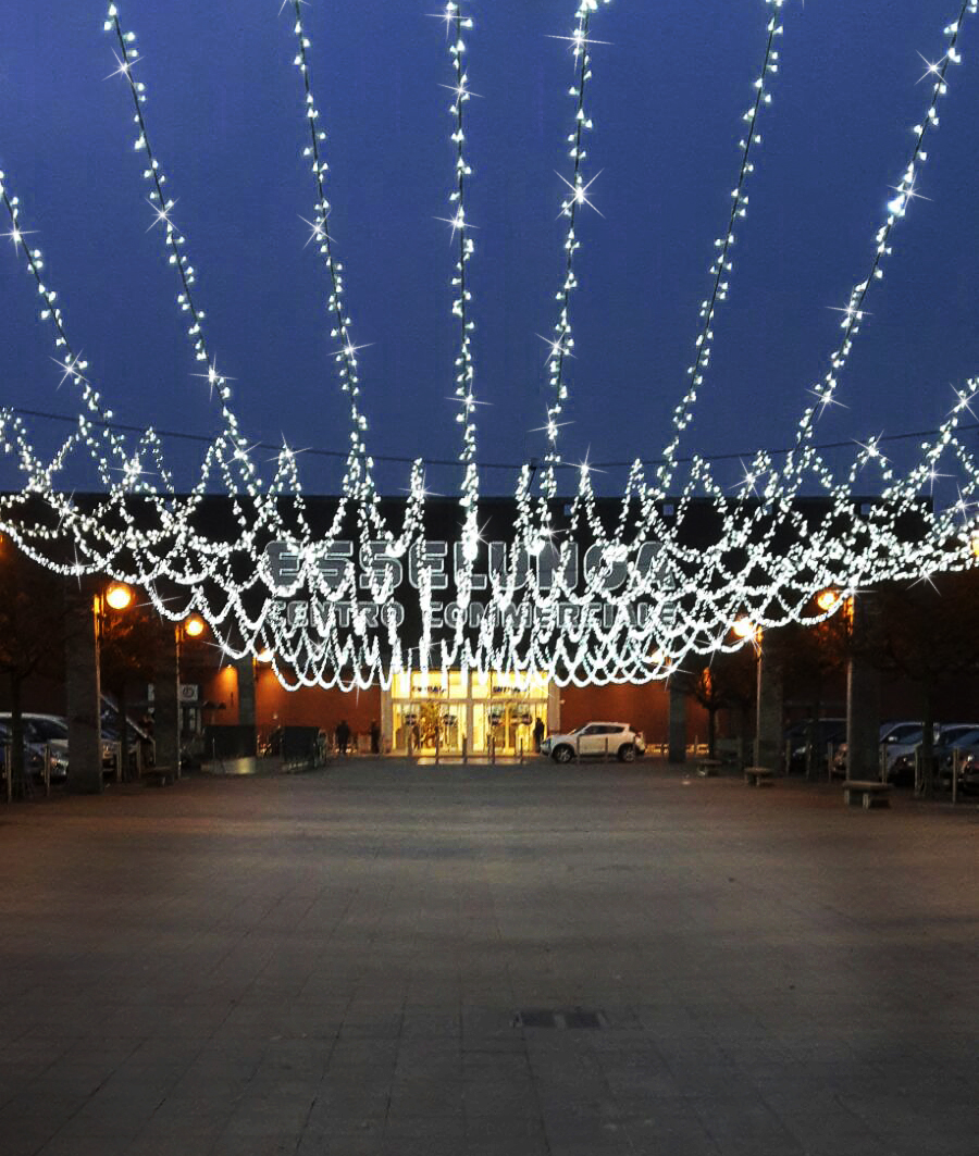 Allestimento centro commerciale esselunga lissone con string led